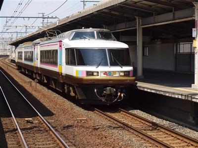 京葉線にやって来たNO.DO.KA。