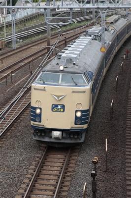 583系「上野発の夜行列車でいく青森・函館の旅」送り込み回送。
